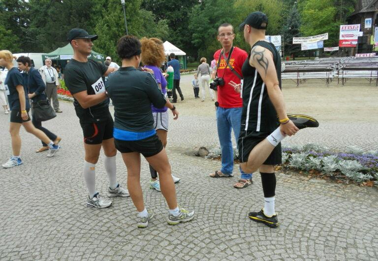 biegacze i kibic