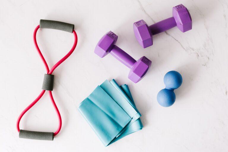 hantelki, przyrządy do ćwiczeń, gumy do ćwiczeń, podwójna piłeczka