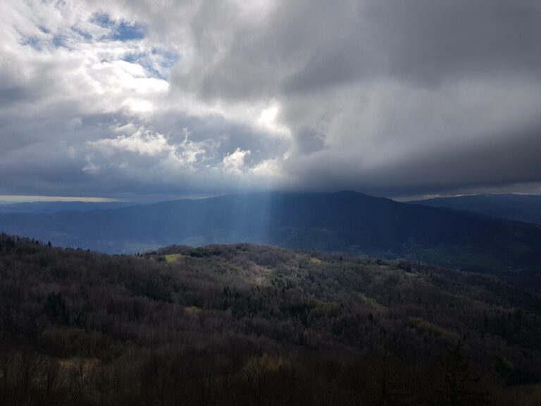 góry chmury